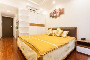 Giường ngủ trong căn hộ officetel Orchard Garden OG-05.04
